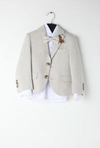 Costume beige lin garçon nœud papillon La cour des mariés